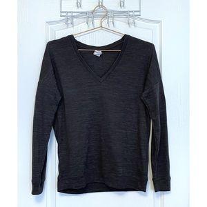 Lolë Grey V-Neck Long Sleeve Tee Size S